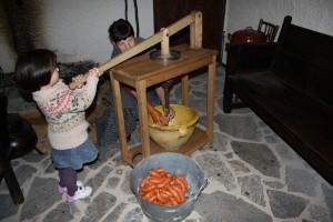 Museo Etnográfico, Llenado con máquina